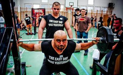 Quanta forza si può raggiungere nell'allenamento con i pesi?