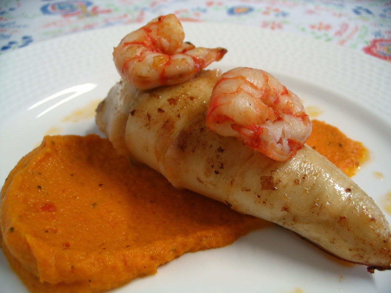 La cuchara curiosa calamares rellenos de gambas con salsa - Salsa para calamares rellenos ...
