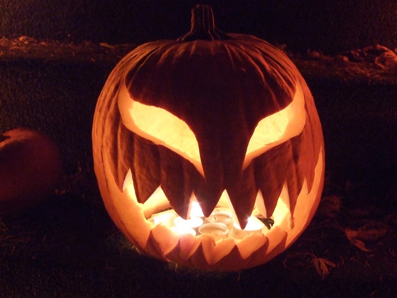 http://1.bp.blogspot.com/-kPrSrlAn5Y8/Tqci0g_FafI/AAAAAAAAARU/usCIrIvUdfg/s1600/Halloween_2010-5.jpg