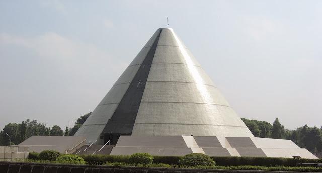 Foto Monumen Yogya Kembali
