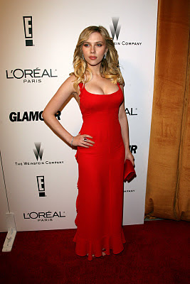Really love these photos of Scarlett in a red dress