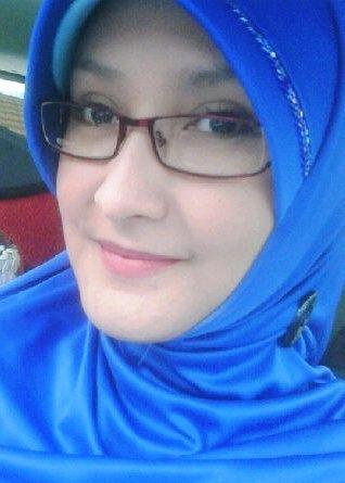 http://www.heru-blog.com/2012/11/foto-wanita-cantik-berjilbab-gadis ...