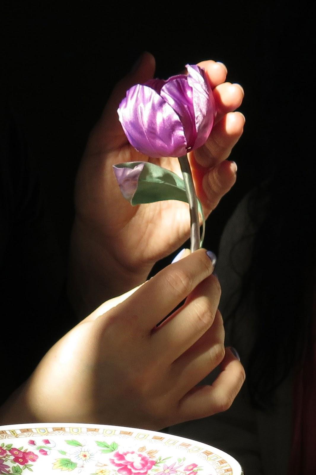 Тюльпан, изготовленный Инной Ротшильд