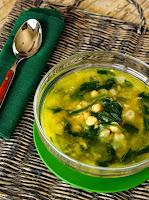 Sopa de Grão-de-Bico com Espinafre (vegana)