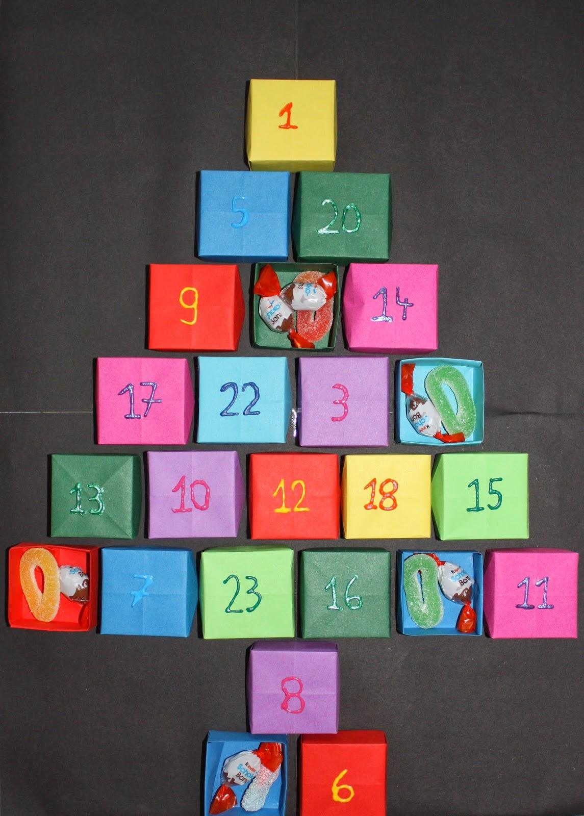 charlotte 39 s stuff calendrier de l 39 avent en origami. Black Bedroom Furniture Sets. Home Design Ideas