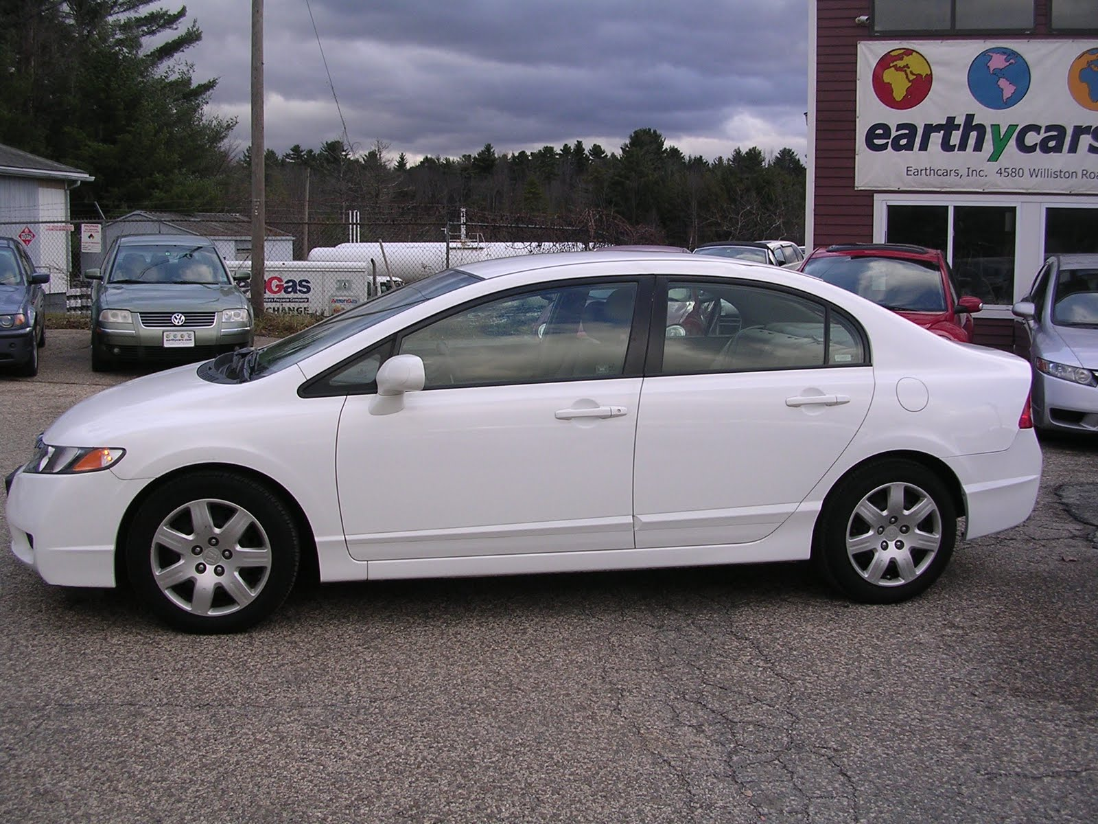 2009 Honda Civic LX, Sedan, Silver, 14834 Mi, $13,900 Http://bit.ly/wlgqVM  Compact, 5 Spd Automatic, MPG U003d 25/36