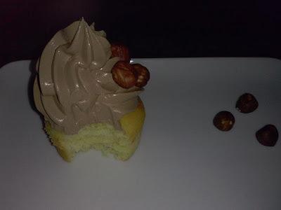 cupcakes alla vaniglia e crema al burro al cioccolato