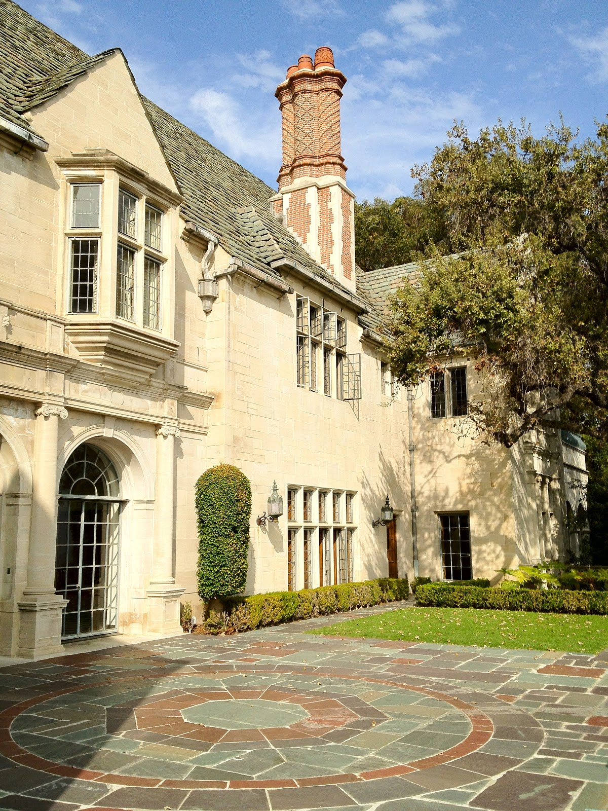 Saturday style greystone mansion florals for spring for The greystone