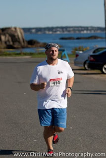Lance Eaton running the Nahant 30K race in his Vibrams