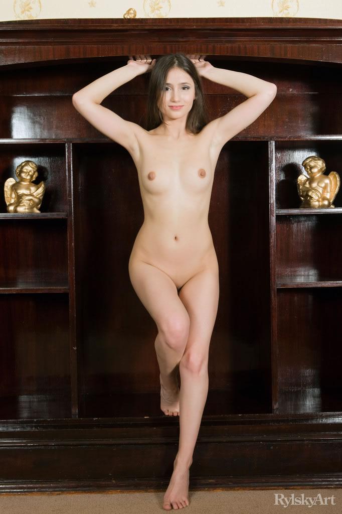 nude black albino woman