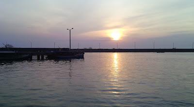 sunrise di pelabuhan