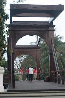 jembatan_kota_intan