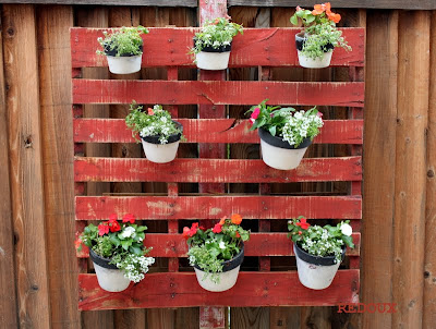 Pallet projects for outside planting