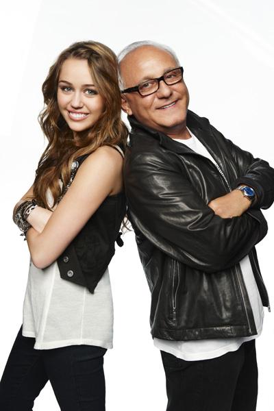 Fashion Retail on L  Nea De Ropa De Miley Cyrus   Max Azria Entre Las Mejores Evaluadas