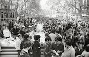 Diada de Sant Jordi a la pl.de Sant Jaume, 1936. AFB. Pérez de Rozas (diada de sant jordi la rambla )