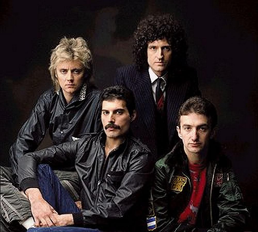 Queen & Freddie Mercury posters - Queen Absolute Greatest