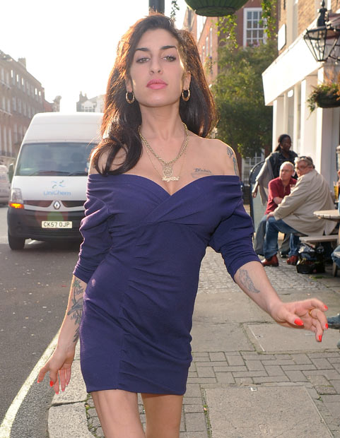 Amy Winehouse: BACK IN REHAB!