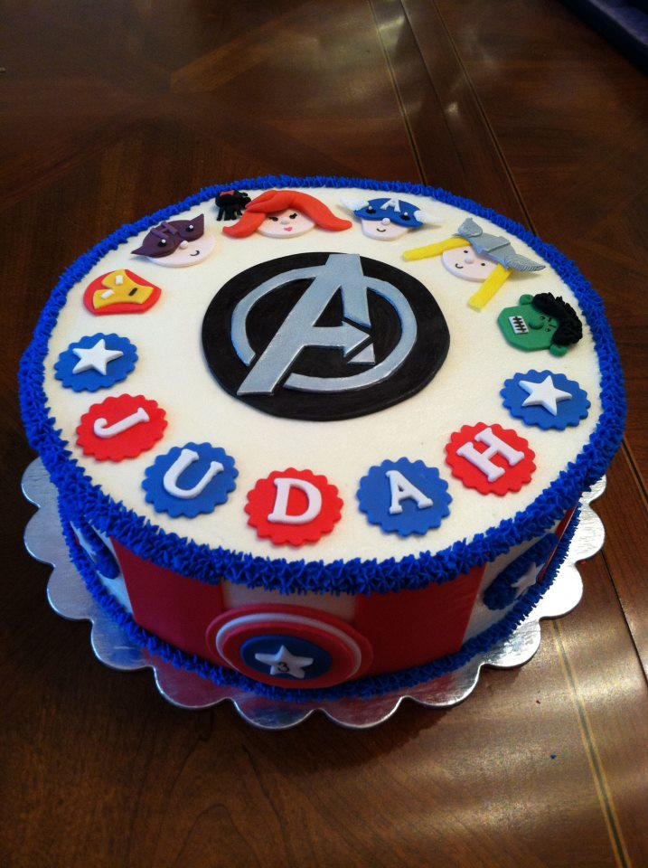 Cake Decorating Ideas Avengers : Cakes by Elizabeth: December 2012