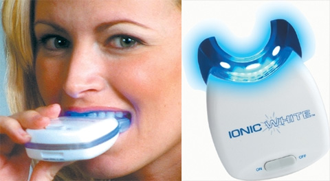 Compromisso Consciente Veneno Dentes Brancos E Titanio