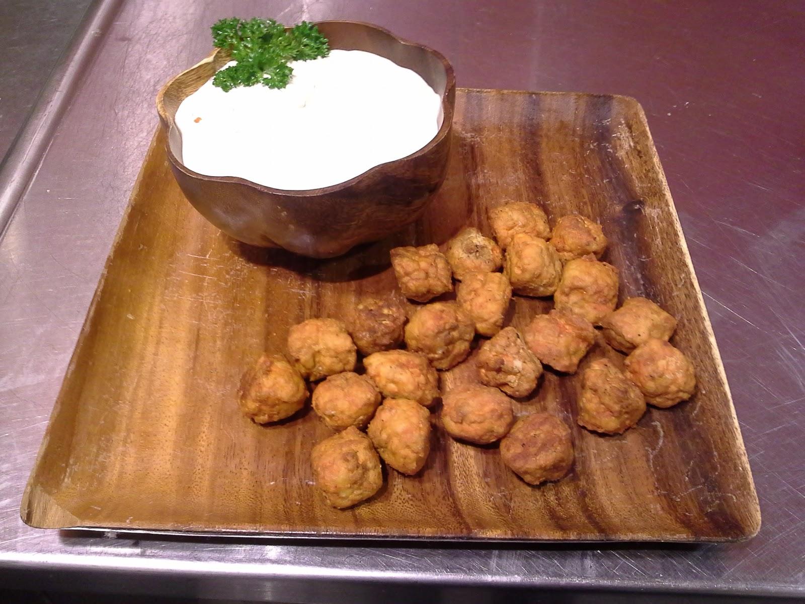 Shootin' the Bries: Buttermilk Blue Cheese Dip