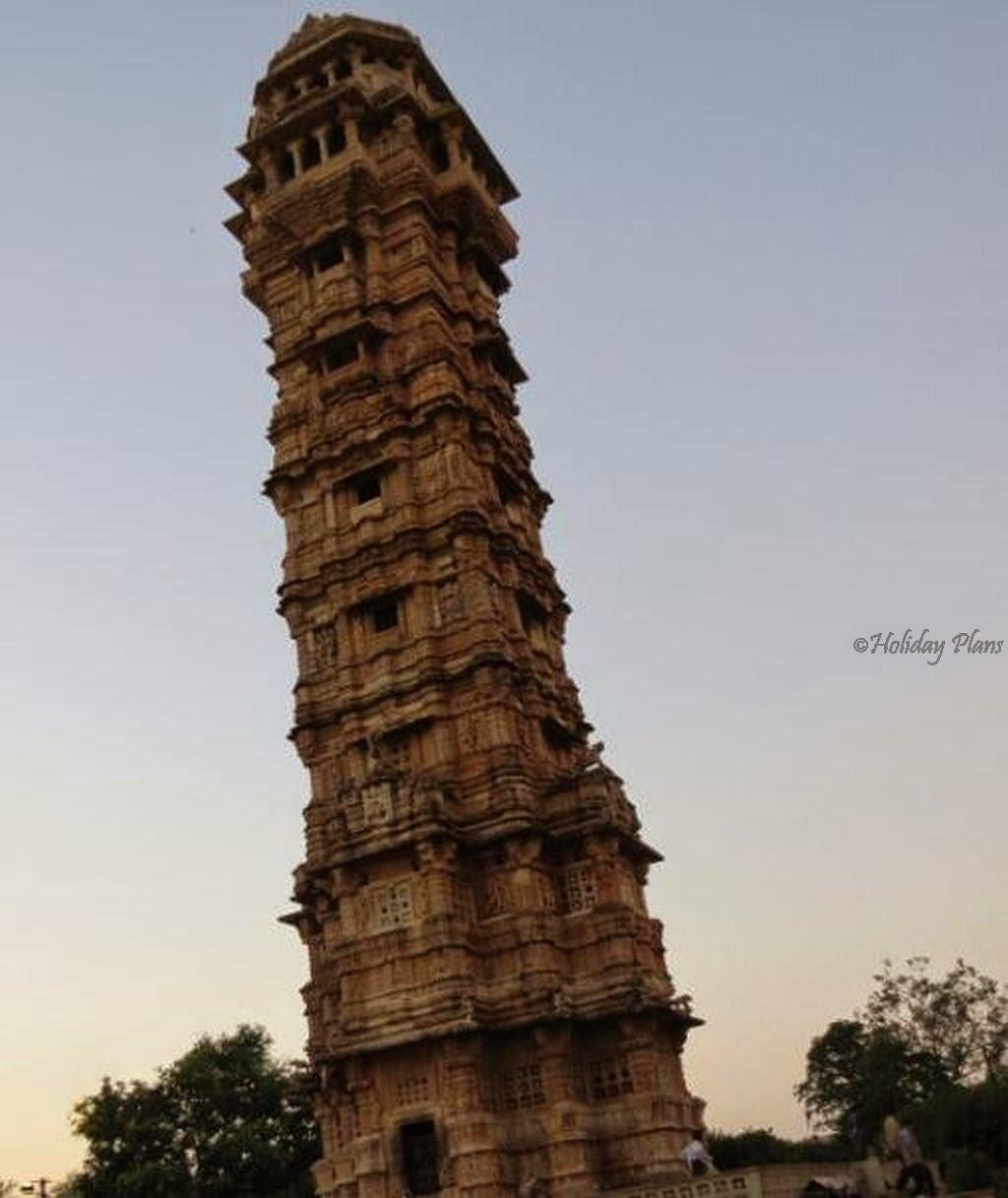 Carvings on Vijay Stambh