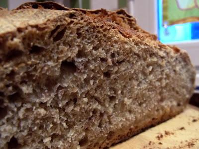 Pan ecológico de trigo y espelta con nueces