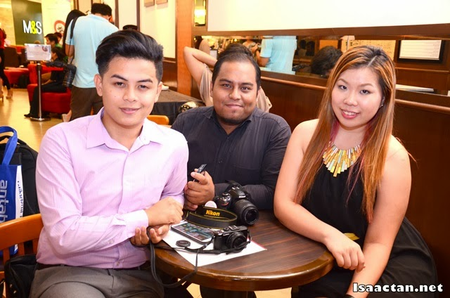 Some of the bloggers at the event, Kifly, MahaMahu, and Cindy
