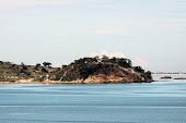 Luanda: General privatiza praia no morro dos Veados. Clique na imagem