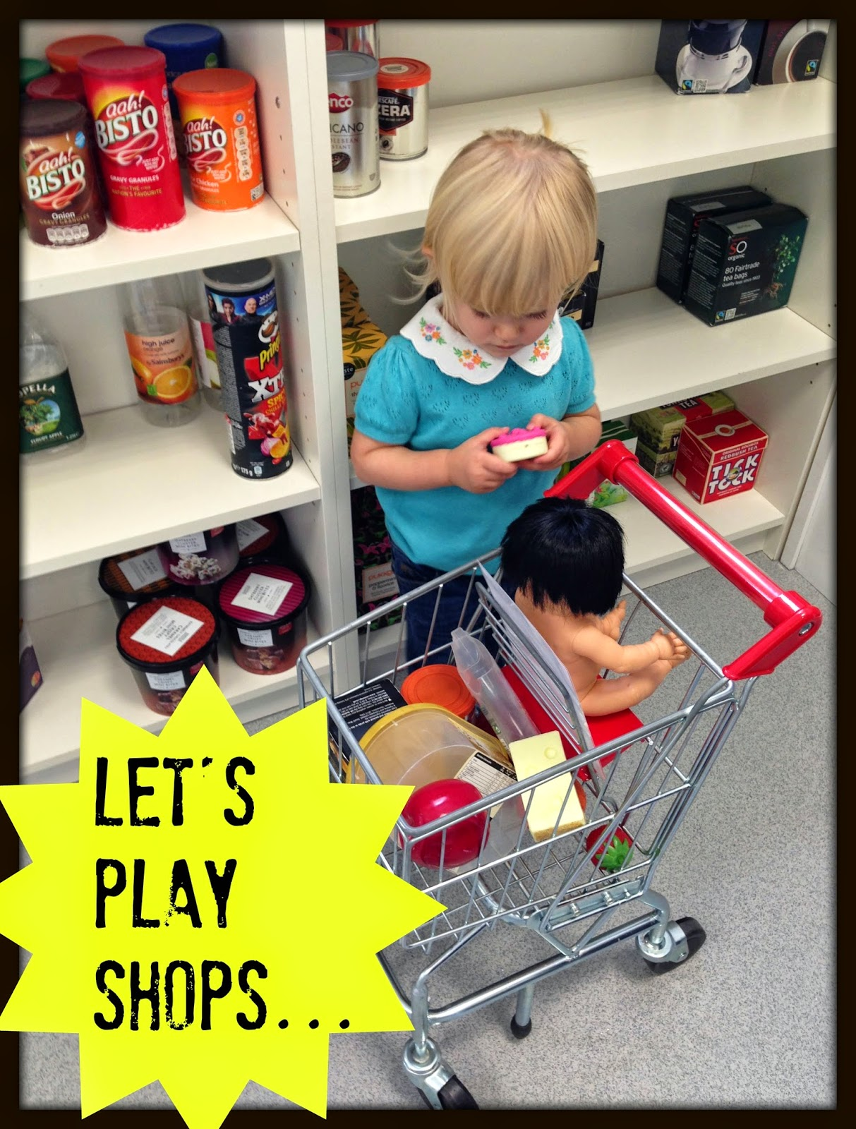 Chic wooden market stalls for imaginative play - and lots of accessories too! | wooden markets and shops | wooden market stalls | role play | play shops | early learning centre john lewis | le toy van | honey bake maker | hows | melissa and doug | play shopping | wooden food | wooden shopping times | shopping trolley | play shopping baskets | little street | shop | imaginative play | wooden toy shop | wooden macrons | wooden biscuits | mamasVIB | christmas gifts | shopping ides | kids toys | learning toys | busy bees || market street | kids shopping bags