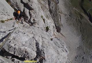 Fernando Calvo Guia de alta montaña UIAGM , escalar espolon de los franceses, picos de europa