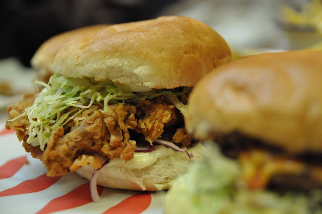 MEATmission review Hoxton Market dirty chicken burger