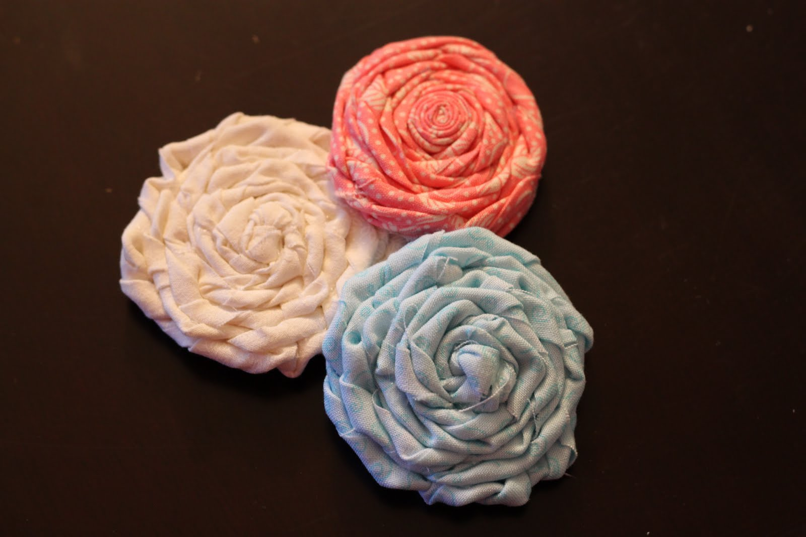 Mama Bear Gets Chatty Learning to Make Fabric Flowers