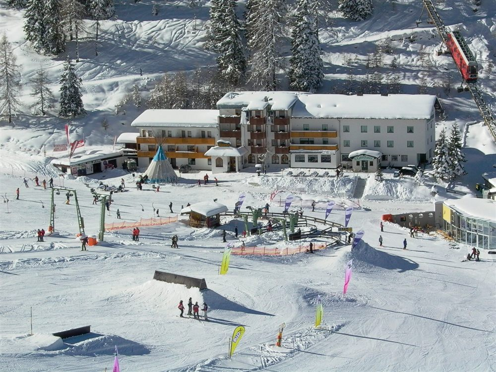Exclusive travel experience a perfect ski vacation in for Design hotel lizum 1600