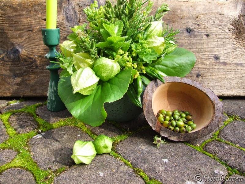 Blumenstrauss in Gruen