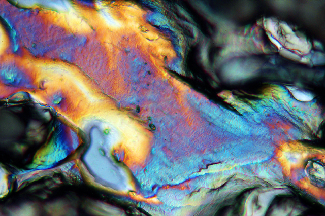 Magnesium nitrate polarized light