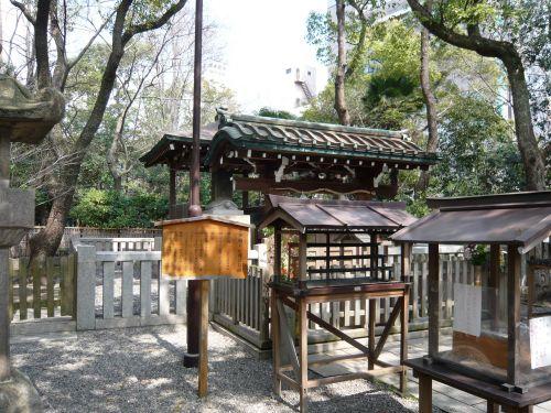 湊川神社の楠木正成公の墓所