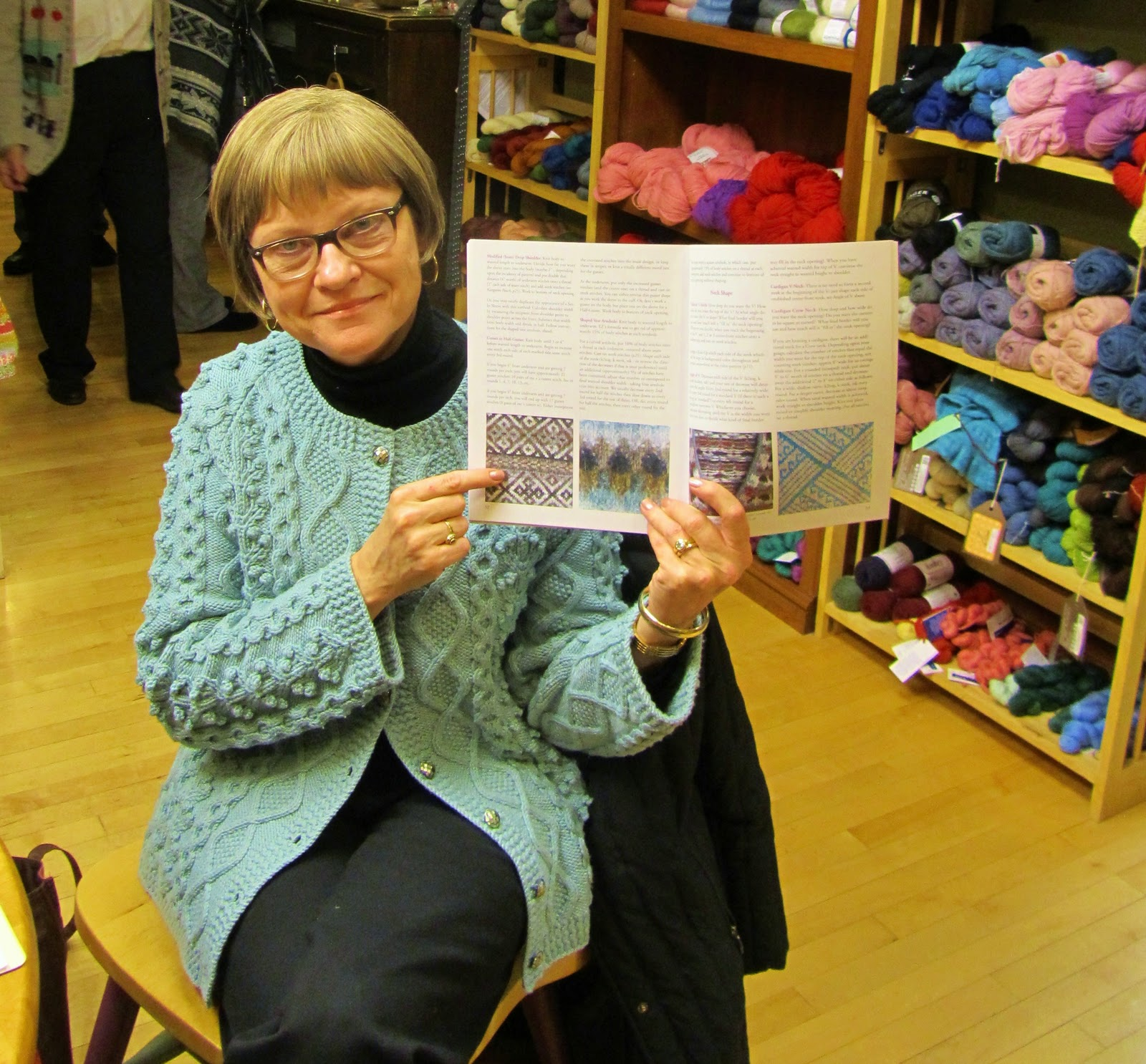 Knitting With Two Colors Meg Swansen : Amber reunion i experience a little excitement