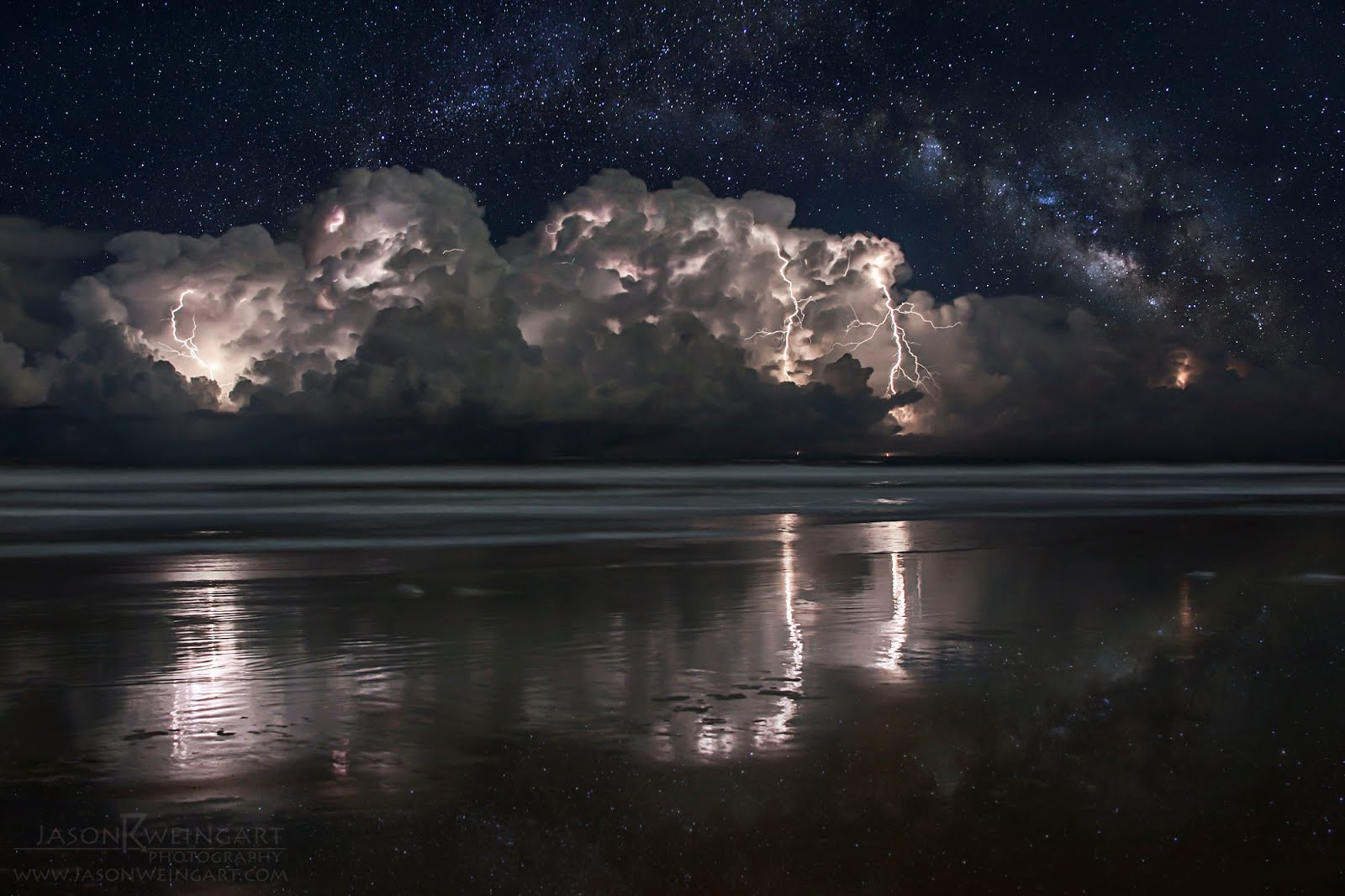 """Καταιγίδες :Όταν η """"τέχνη"""" της φύσης"""