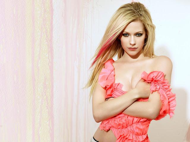 "<img src=""http://1.bp.blogspot.com/-kVN6vRE4Yws/Uf_HPCB0quI/AAAAAAAADMA/nwLep6729-4/s1600/avril_lavigne_hq-normal.jpg"" alt=""Avril Lavigne sexy wallpaper"" />"