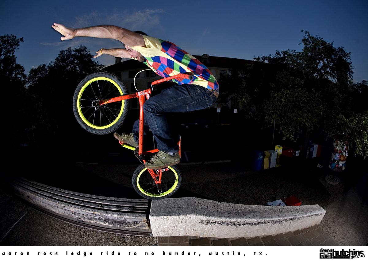 http://1.bp.blogspot.com/-kVZgjpZ4Ftw/TV_Vwzj9DJI/AAAAAAAAAHA/M0ol-_Wht-I/s1600/aaron_ross_ledge_ride_no_hander.jpg