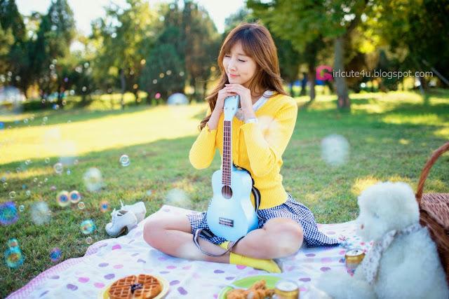 1 Lee Yoo Eun outdoor - very cute asian girl-girlcute4u.blogspot.com