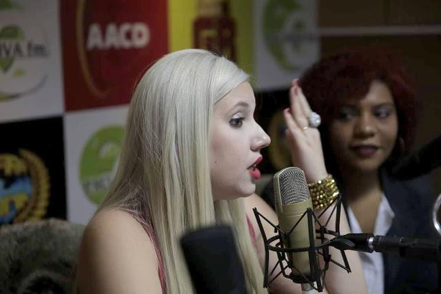 Blogueira Priscila Sabino estreia programa na Rádio Exclusiva FM
