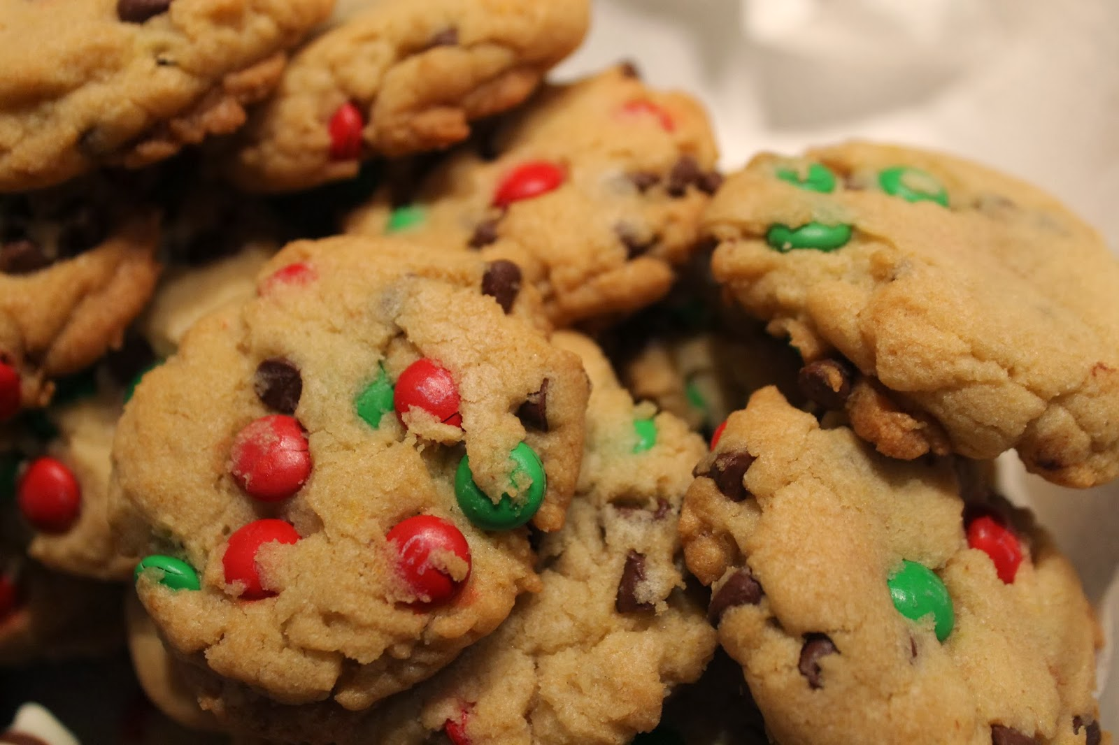 Stay At Home Baker: M&M Chocolate Chip Cookies