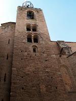 El campanar de l'església de Sant Miquel de Cardona