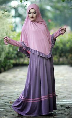 Busana Muslim Model Gamis Bergo Syar'i
