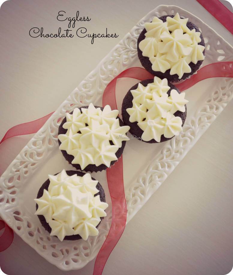 Chocolate Cupcakes with Cream Cheese frosting {Eggless}