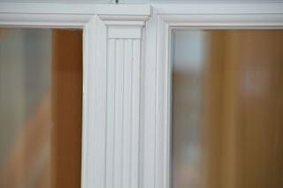 Капитель на деревянном окне из Германии