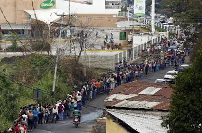 Venezuela's economic crisis worsens as oil prices fall