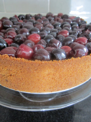 cherry cheesecake recipe, cheesecake with cherry topping,