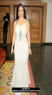 Apoorva aunty in Sleeveless dress